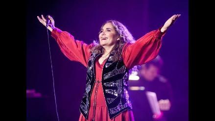 Tania Libertad en homenaje a Caetano Veloso en el Latin Grammy 2012