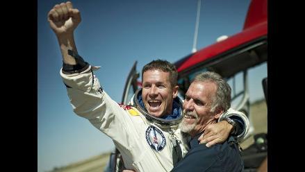 FOTOS: Así celebró Felix Baumgartner tras saltar desde la estratosfera