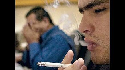 El humo de tabaco perjudica igual a fumador y a pasivo