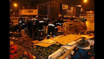 Alcaldesa de Lima se reúne con ambulantes para tratar comercio informal