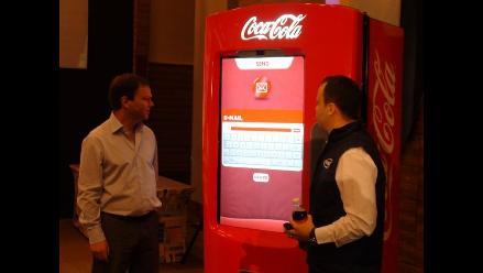 Conozca la maquina expendedora inteligente de Coca Cola