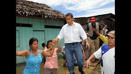 Humala inspecciona zona afectada por alud en San Martín