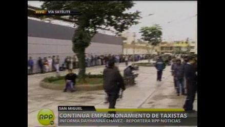 Caos y desorden por empadronamiento de taxistas en Lima