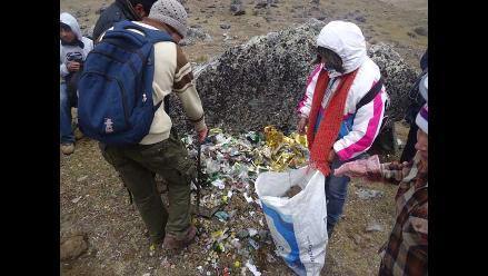 Retiran más de tres toneladas de basura del nevado Huaytapallana