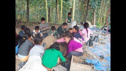 Jorge Aníbal Poquioma y su escuela ecológica cuidan el ambiente