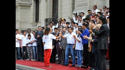 Presidente Ollanta Humala recibe antorcha de los Bolivarianos de Playa