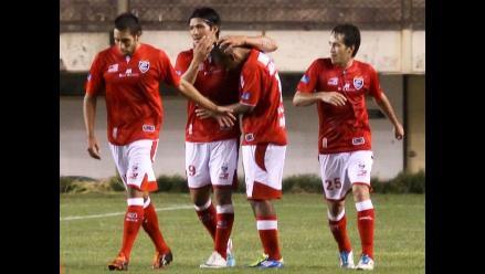 Cienciano derrota 2-1 a Cobresol y revive sueños de Copa Sudamericana