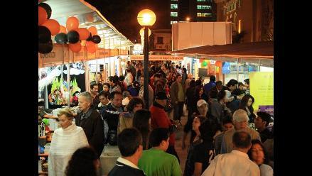 Feria del Libro Ricardo Palma recibe 190 mil visitantes a un día del cierre