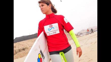 Peruanos dominan en primer día de surf en Bolivarianos de Playa
