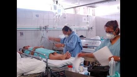 Cusco: Extirpan tumor ovárico gigante a paciente de 44 años