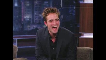 Robert Pattinson da entrevista con algunas copitas de más