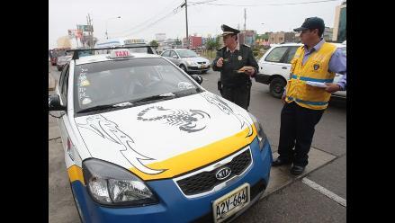 Taxis no registrados serán internados en depósito municipal