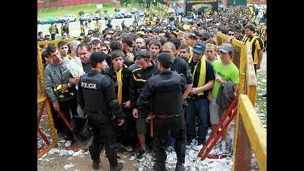 El Peñarol vs Nacional dejó 49 detenidos por disturbios en Montevideo