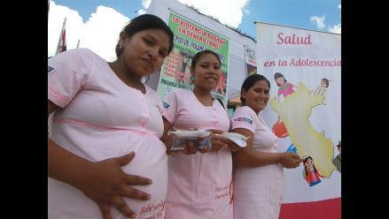 Embarazo adolescente causa el 25.3% de ausentismo escolar