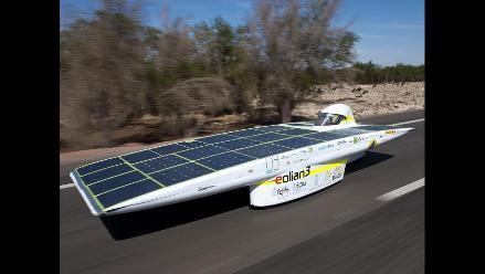 Automóviles solares participan en la Carrera Solar Atacama 2012