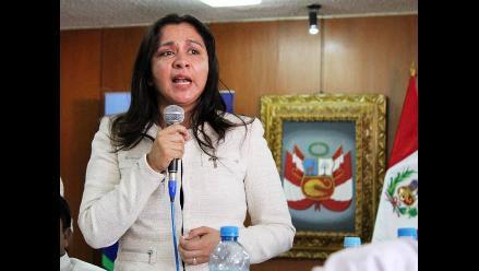 Marisol Espinoza votó en contra de Diez Canseco por decisión de bancada