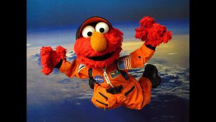Elmo, el títere rojo que perdió la voz por un escándalo sexual