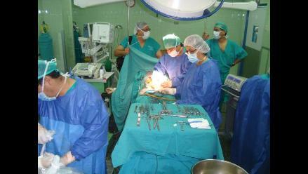Chiclayo: Médicos operan con éxito a bebé que nació sin ano