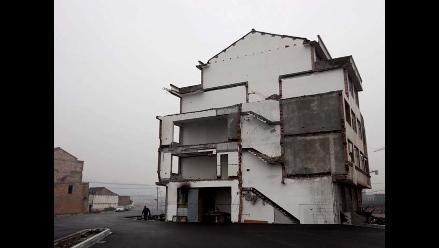 La casa que se construyó en medio de una carretera en China