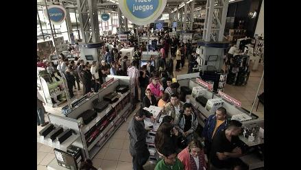 Costa Rica adopta el ´viernes negro´ y consumidores abarrotan las tiendas