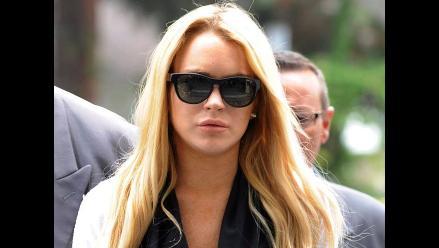 Charlie Sheen envía 100.000 dólares para ayudar a Lindsay Lohan
