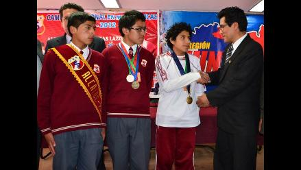 Estudiante huancaíno se impone en Olimpiada Nacional de Matemática