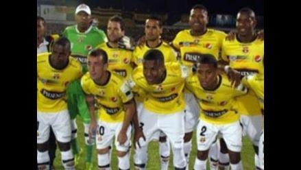 Renzo Revoredo se consagró campeón con el Barcelona de Guayaquil