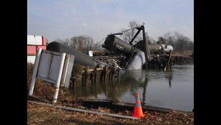 Tren que transportaba gas tóxico se descarriló en EEUU