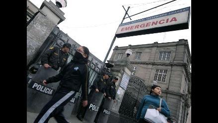 Denuncian malas condiciones de atención en hospital Arzobispo Loayza