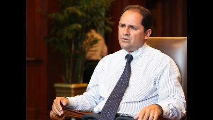 Ministro José Villena llega a Arequipa tras incidente en aeropuerto