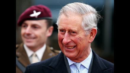Príncipe Carlos confesó su emoción por ser abuelo