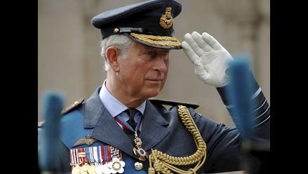 Príncipe Carlos entusiasmado con ser abuelo por primera vez