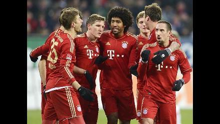 Bayern de Múnich de Claudio Pizarro vence y consolida el liderato