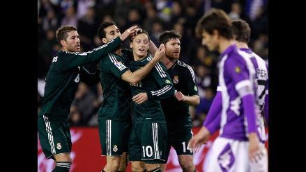 Real Madrid venció 3-2 al Valladolid con dos conquistas de Mesut Ozil