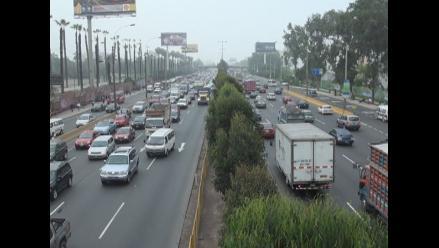 Semáforos averiados congestionan el tránsito vehicular