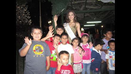 Piuranos reciben con cariño a Miss Perú Mundo 2013