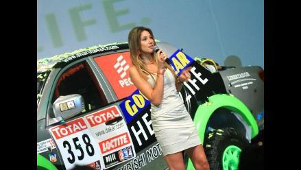 FOTOS: Alina Moine deslumbró en la presentación del equipo Alta Ruta 4x4