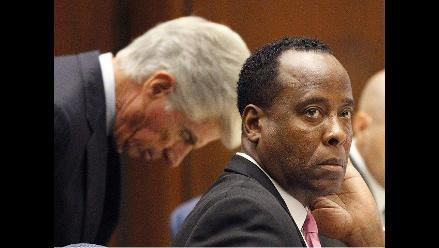 Conrad Murray quiere salir de la cárcel cuanto antes