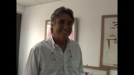 Percy Rojas condecorado por la Confederación Sudamericana de Fútbol