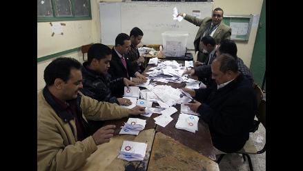 Oposición egipcia denuncia fraude en referéndum e impugnará resultados