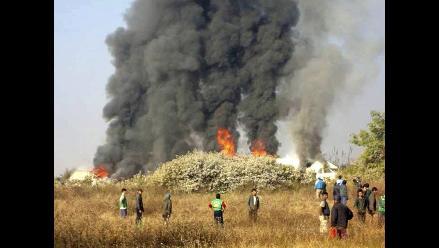 Dos muertos y once heridos al aterrizar de emergencia un avión birmano
