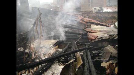 Padres que perdieron a hijo en incendio piden ayuda en Puno