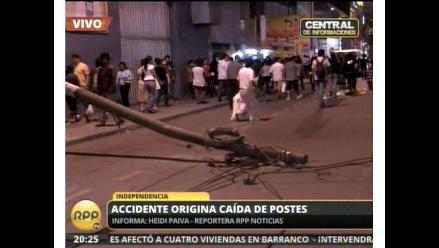 Camión ocasiona caída de postes y deja dos heridos en Independencia