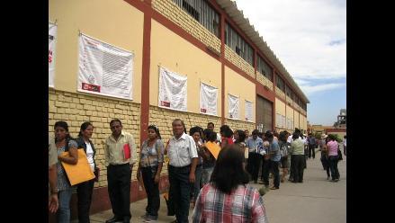 Tumbes: 5 mil docentes reciben bono de 300 soles