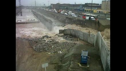 Muro de Vía Parque Rímac cede por aumento del caudal del río