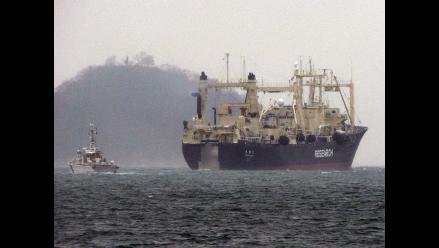 Flota ballenera japonesa zarpa hacia la Antártida