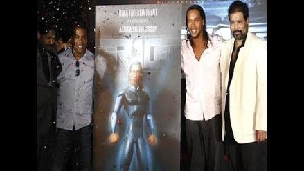 Ronaldinho protagonizará película donde enfrentará a extraterrestres