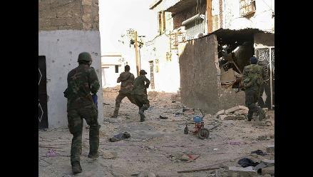 Los rebeldes sirios denuncian una masacre con 220 muertos en Homs