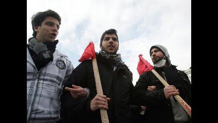 Grecia cierra un año caótico con una nueva huelga