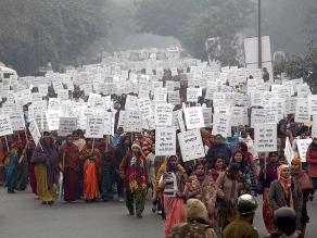 Comienza juicio a los cinco adultos que violaron a una joven en India